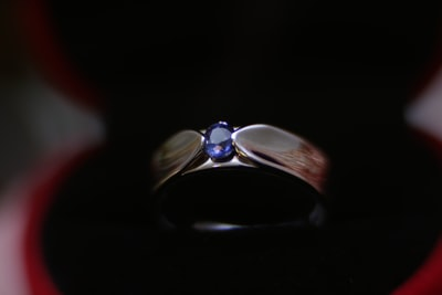 Why sapphires are so expensive?